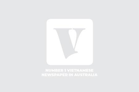 Boronia: Phát hiện nước ở một con lạch chuyển thành màu xanh lục huỳnh quang